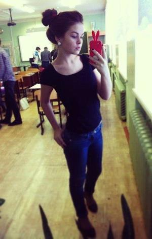 Melodi is looking for adult webcam chat
