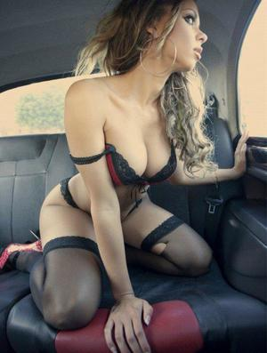 Aura from Alexandria, Virginia is looking for adult webcam chat