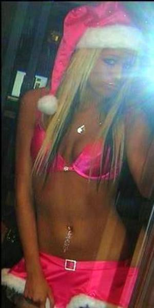 Meet local singles like Candra from Fortwainwright, Alaska who want to fuck tonight